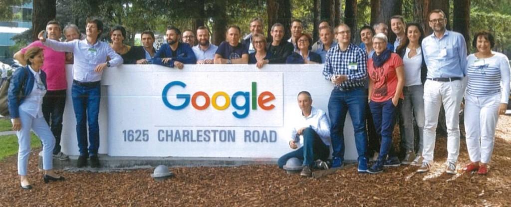 """L'équipe de la """"Learning expedition"""" devant le siège de Google la semaine dernière. Marie-Françoise Redon est la première personne à gauche de l'image."""